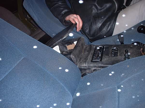 Ящик между сиденьями своими руками